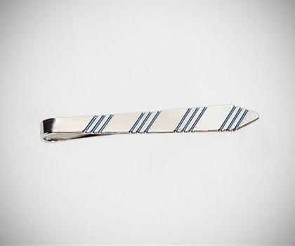 Fermacravatta a cravatta